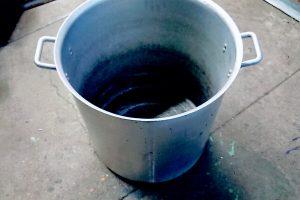 アルミスープ鍋にコックハンドル取付け。